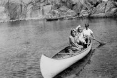 Barn i kano