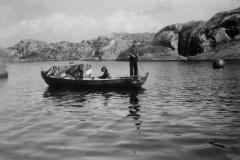 Barn i robåt1