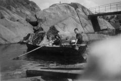Barn i robåt2