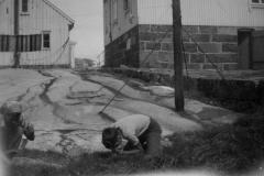 Barn leker i havnehagen2