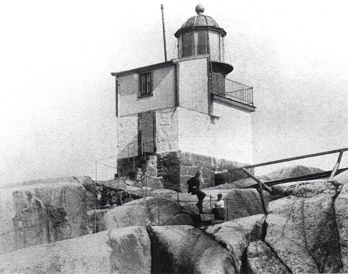 Det første fyret fra 1874
